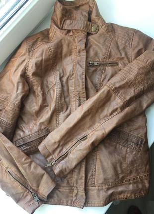 Очень классная кожзам курточка