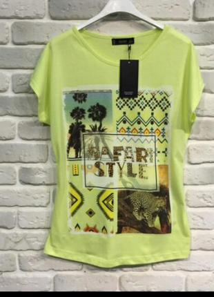 Яркая желтая футболка mangi