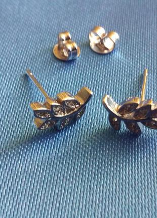 Серьги-гвоздики в виде веточки оливы