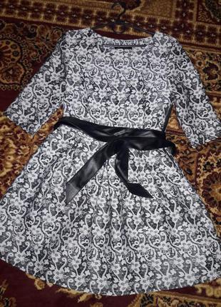 Платье нарядное 44-46