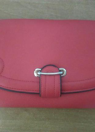 Красный клатч ручной