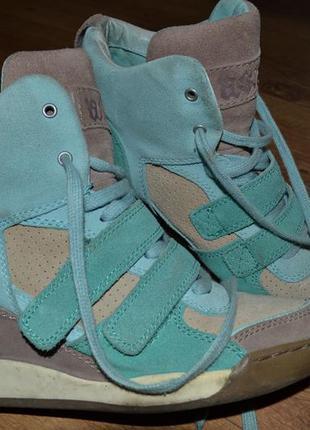 Шикарные фирменные ботинки натуральный замш