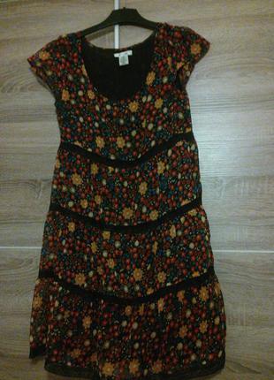 Платье в принт цветок,38-40р.