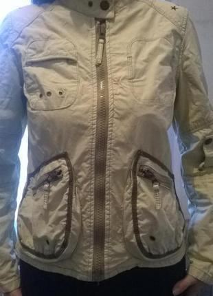 Шикарная курточка нежного хаки с-м