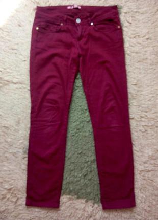 Узкие брюки цвет марсала/винный/бордо