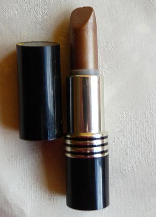 Помада  revlon super lustrous lipstic тон 03 коричневая
