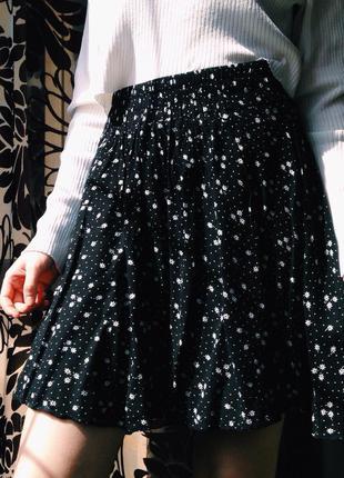 Новая юбочка в цветы naf naf с высокой талией, доставка бесплатная