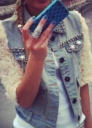 Джинсовая куртка с кружевными рукавами розочками