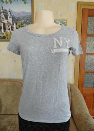 Актуальная футболка серого цвета / abercrombie & fitch / смотрите замеры