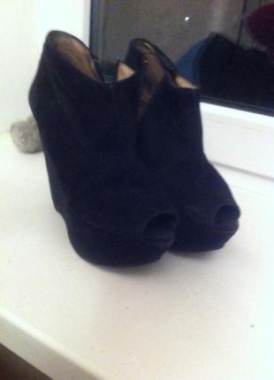 Крутые ботинки от zara