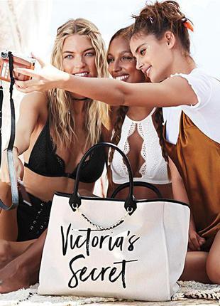 Бежевая сумка victoria's secret из плотной ткани
