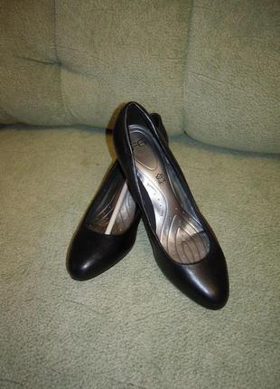 Поделиться:  туфли кожаные р 39-40 стелька 26см m&s великобритания