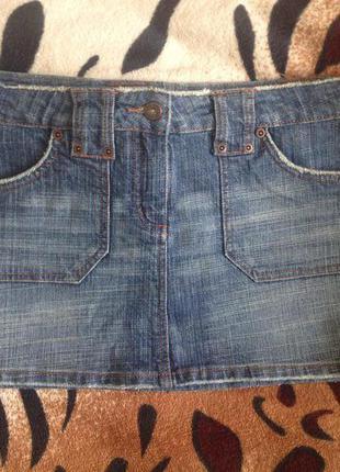 Джинсовая мини юбка от top shop( юбка секси!! с потертостями)