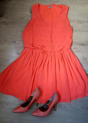 Красивое платье с камешками only