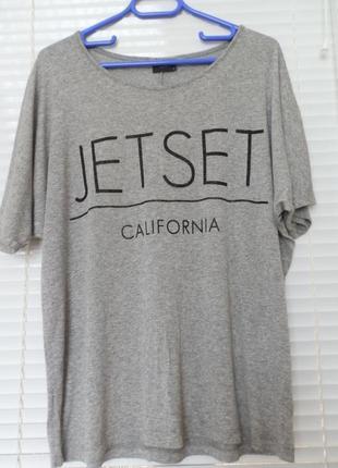 Серая футболка свободного кроя оверсайз с принтом вискоза размер м-l