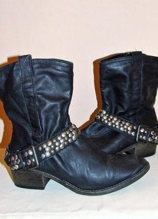 """Крутые черные ботинки """"s.oliver"""" с металлическим декором, размер 40"""