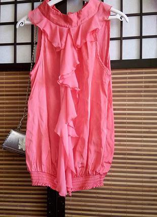 Сатиновая нарядная блуза майка персикового цвета от dorothyperkins с шифоновыми рюшами
