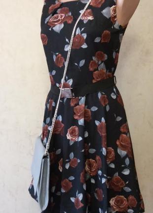 Красивое стильное винтажное платье