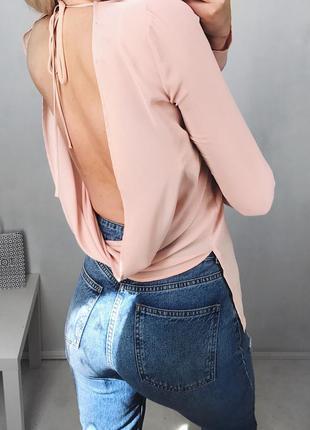 Шикарная блуза с голой спинкой