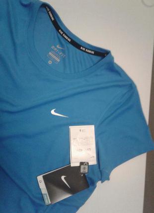 Nike dri-fit футболка спортивная, размер m.  новая