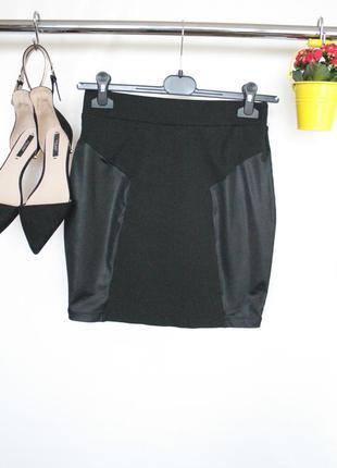 Актуальная юбка в обтяжку с кожаными вставками на резинке