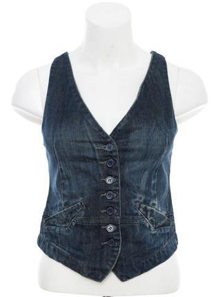 Стильная джинсовая жилетка, очень красивого цвета