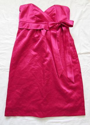 Яркое платье фуксия