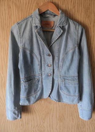 Жакет пиджак джинсовый levis levi strauss светло голубой приталенный с воротником светлый