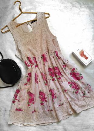 Супер нежное платье цветочный принт кремовое с кружевом