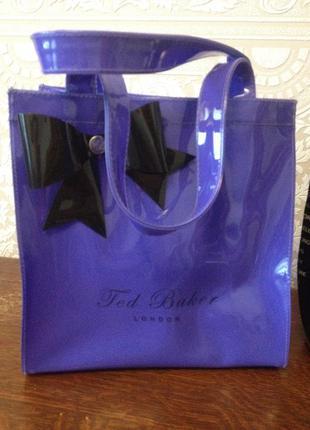 Красивенькая сумочка шопер от ted baker.