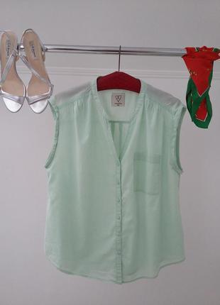 Clockhouse - современная блузка в мятном цвете.