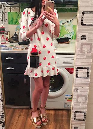 Трендовое платье в модный принт
