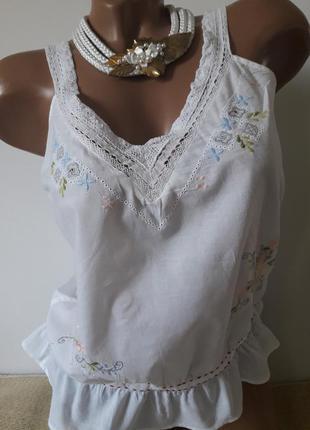 Нежная хлопковая блуза -майка с вышывкой