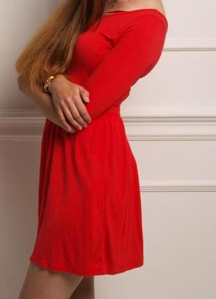Страдивариус красное платье