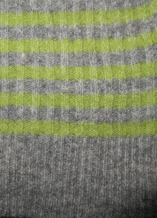Фирменный свитер с капюшоном s/m