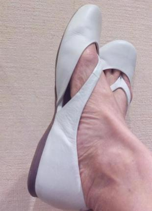 Bronx  очень качественные натуральная кожа балетки,туфли