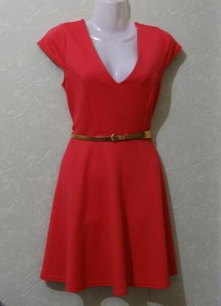 Голубое платье с воротничком продам