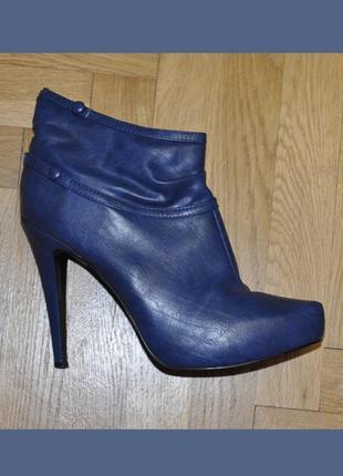Стильные демисезонные ботинки полуботинки ботилены на высоком каблуке e-uie