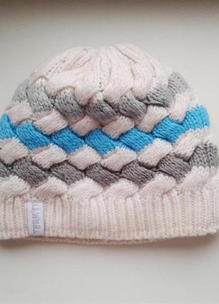 Теплая мягкая шапочка
