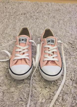 Розовые кеды на низкой подошве converse