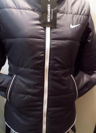 Новая куртка nike черного цвета