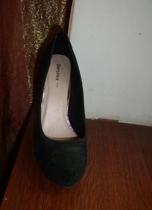 Туфли на каблуке р.39-40