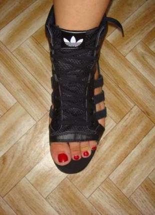 Летние босоножки (сандалии) adidas.