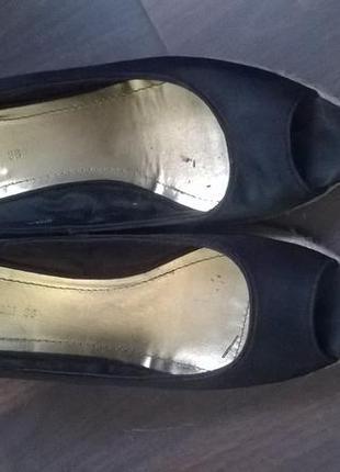 Летние туфли на танкетке от h&m