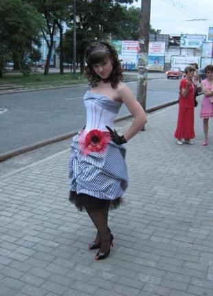 Родается очень красивое вечернее платье от оксаны мухи!!!!