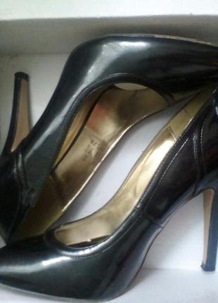 Черные туфли лодочки от valentin yudashkin