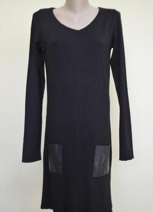 Красивое черное платье прямого кроя