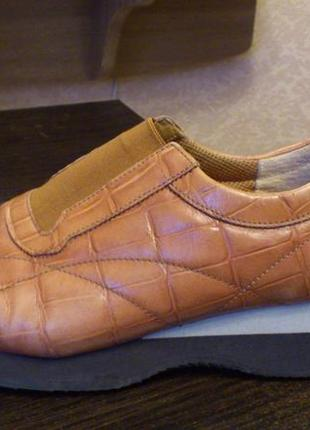 Спортивные туфли из натуральной кожи бренд gabor