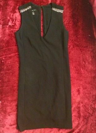 Чёрное платье mango прямого кроя