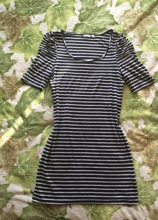 Базовое платье в полоску etam